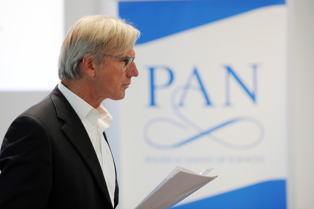 3. Mr Bertrand van Ee Chair of the EURO Case Innovation Platform