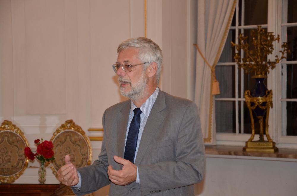 4. Minister Andrzej Piotrowski